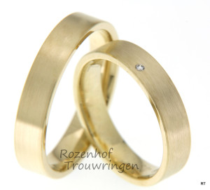 Geelgouden trouwringen met diamant