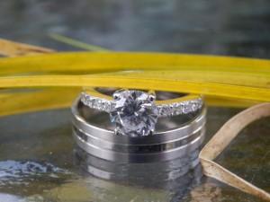 Trouwringen met een betoverende diamant